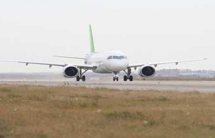 راكب زائد يعيد طائرة أدراجها بعد تحليقها 4 ساعات!