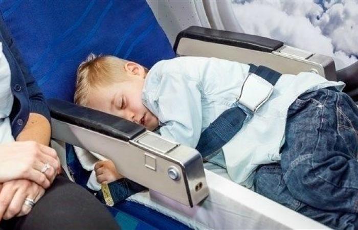 التهاب الأذن قد يمنع الطفل من ركوب الطائرة