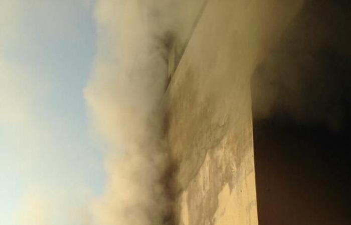بالصور: حريق داخل شقة في نهر ابراهيم