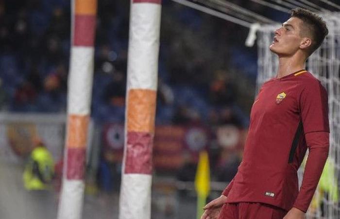 مدرب روما يدعم مهاجمه شيك قبل مواجهة ساسولو