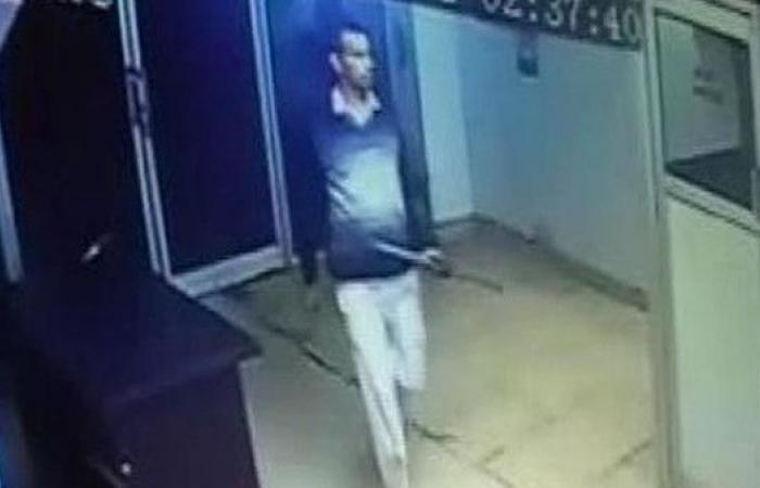 أثار الهلع.. ضابط هندي سابق يقتل 6 بهراوة