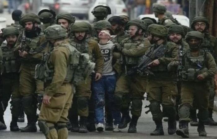 الطفل فوزي الجندي يجسد معاناة أطفال فلسطين تحت الاحتلال