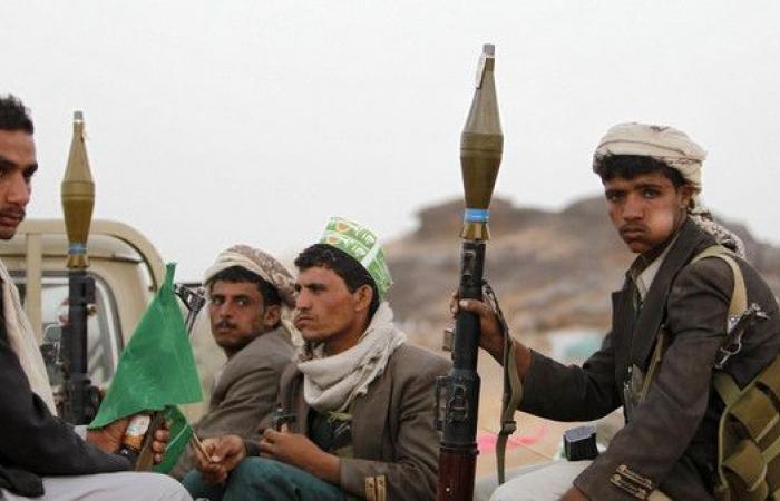 """اليمن.. 32 قرارا حوثيا للتخلص من تركة """"صالح"""""""