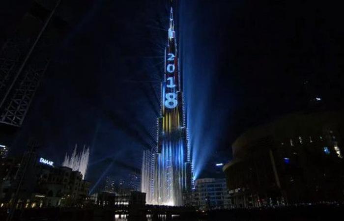 شاهد كيف شارك الآلاف احتفالات دبي المبهرة بالعام الجديد