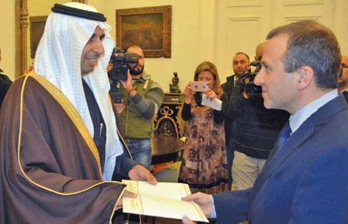 """اليعقوب قدّم أوراق إعتماده والسعودية تترقّب """"النأي بالنفس"""" لتحدّد وجهة العلاقة"""