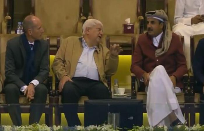"""أمير قطر يتابع بطولة """"إكسون موبيل"""" للتنس"""