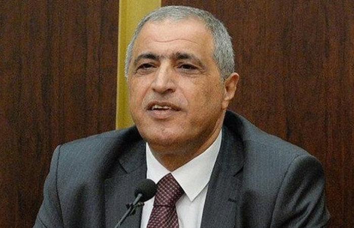 هاشم: لم يتّضح بعد ما إذا كان للحريري مبادرة بشأن مرسوم الأقدمية