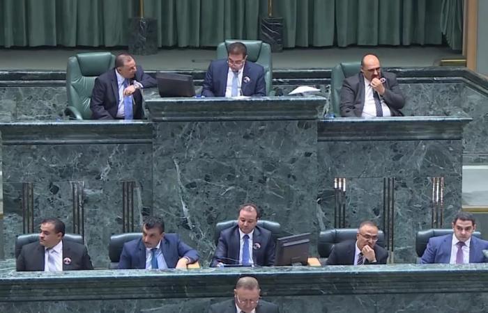 مطالب برحيل الحكومة الأردنية بعد إقرار الموازنة