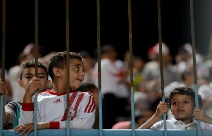 الزمالك يبعد مدربه قبل قمة الكرة المصرية