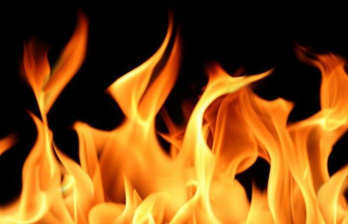إخماد حريق في غرفة كهرباء داخل مبنى في تعمير حارة صيدا