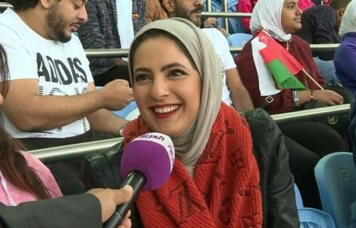 مشجعات كويتيات يؤازرن عُمان والإمارات في النهائي