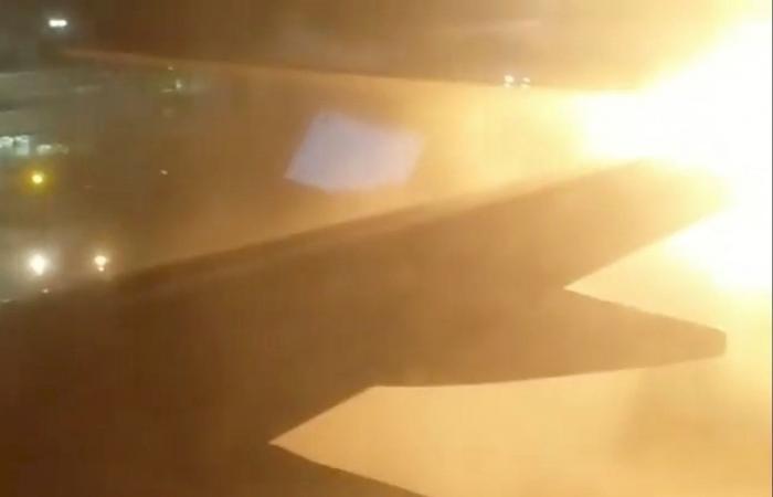 كندا.. تصادم طائرتين في مطار بتورونتو وجميع الركاب بخير