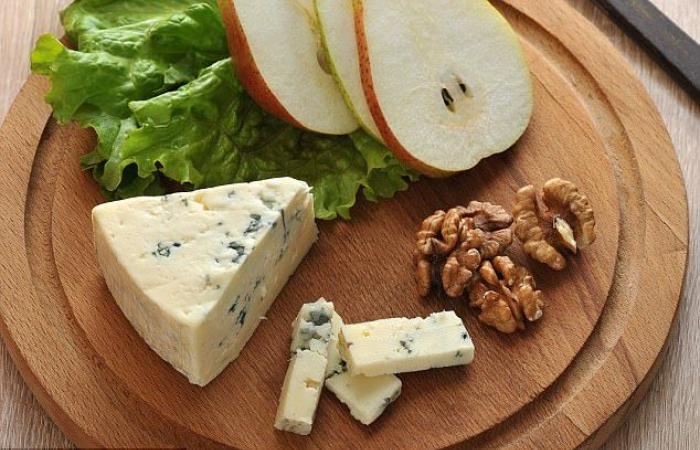 بالصور..طرق علمية لتقطيع قوالب الجبن المختلفة إلى شرائح