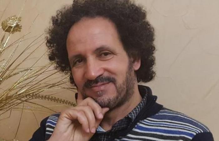 هموم شعرية: مع نبيل منصر