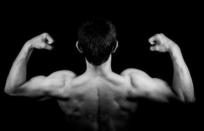لماذا تشعر بالألم في عضلاتك بعد التمرين؟ وما الذي يمكنك فعله حيال ذلك؟