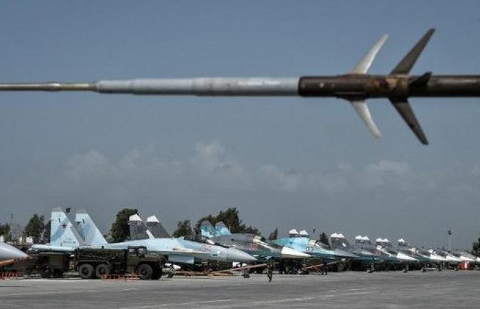 سوريا.. موسكو تقر بتعرض قواعدها العسكرية لهجمات جوية