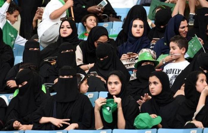 مباراة الأهلي والباطن تشهد الحضور الأول للعائلات