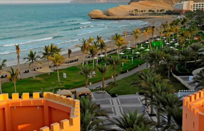 السياحة العمانية.. إثراء اقتصادي واجتماعي
