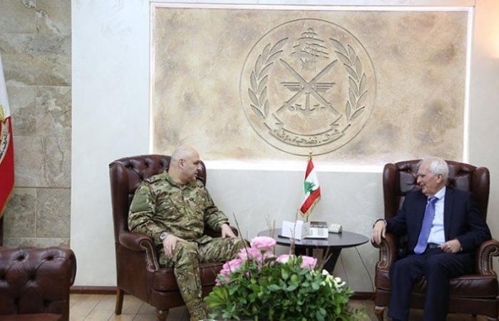 قائد الجيش استقبل فارس والمدير العام لوزارة الاتصالات