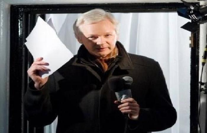 هل حصل مؤسس ويكيليكس على جنسية الإكوادور؟