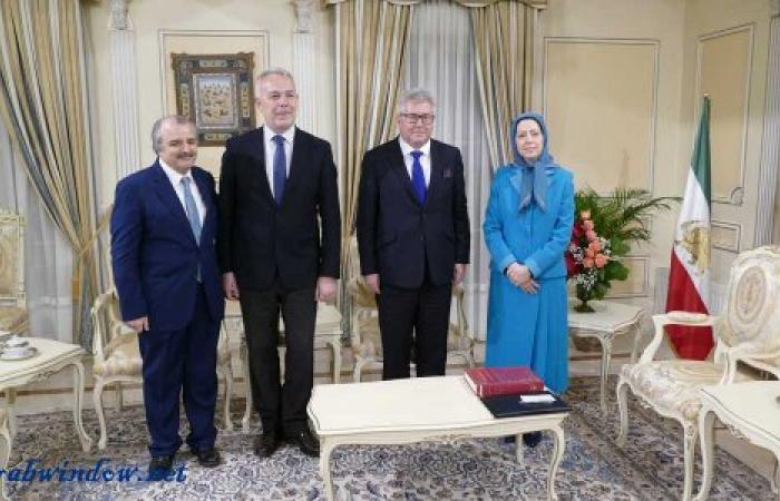 وفد من البرلمان الأوروبي يلتقي بالسيدة مريم رجوي ويعلن عن تضامنه مع انتفاضة الشعب الإيراني