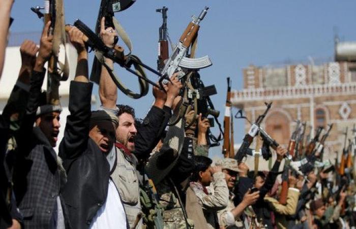مصدر أمني يمني: ضبط شاحنات إغاثية باعها الحوثيون بصنعاء