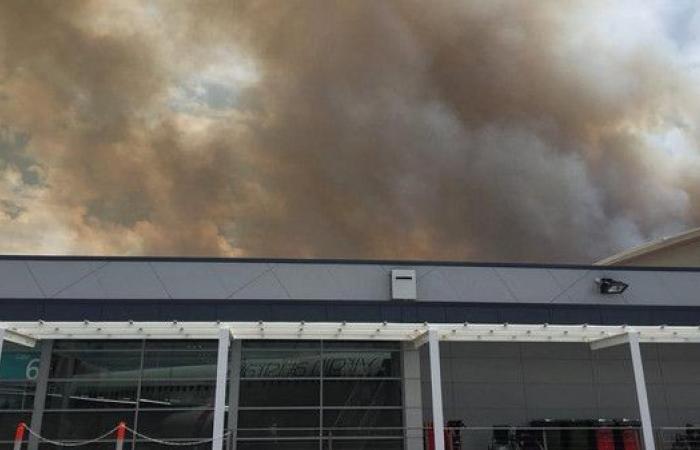 حرائق الغابات تغلق مطار نيوكاسل للمرة الثانية بـ24 ساعة