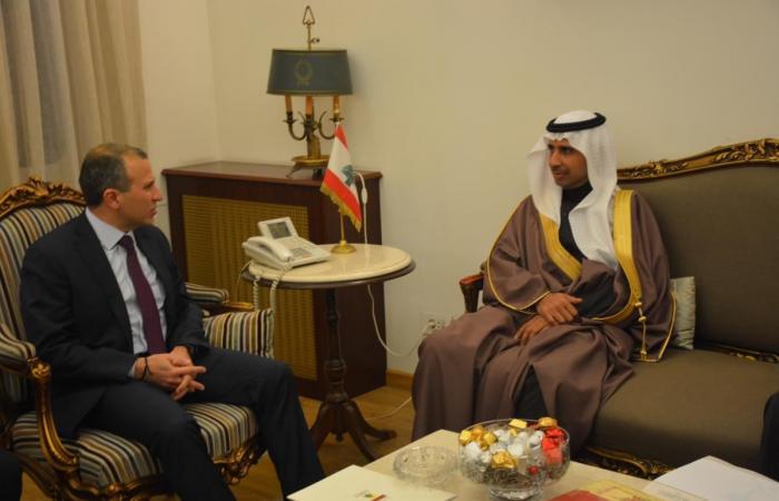 السفيران السعودي والبريطاني في الخارجية.. وشورتر: تبلّغت أن الإنتخابات النيابية وضعت على السكة