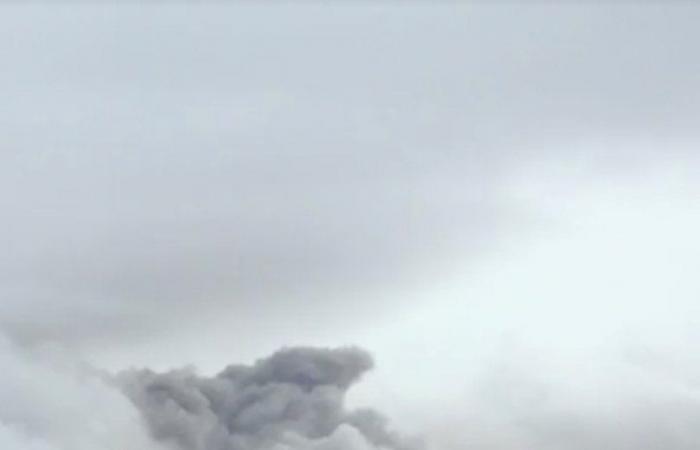 """ثورة بركان """"مايون"""" تجبر الفلبين على إجلاء آلاف السكان"""