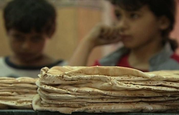 رفع الخبز وغياب المنح يمهدان لموجات غلاء بالأردن