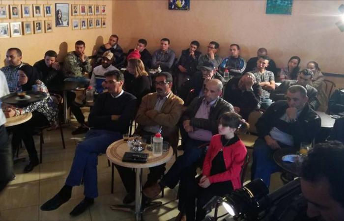 ظاهرة المقاهي الثقافية تزدهر في المغرب