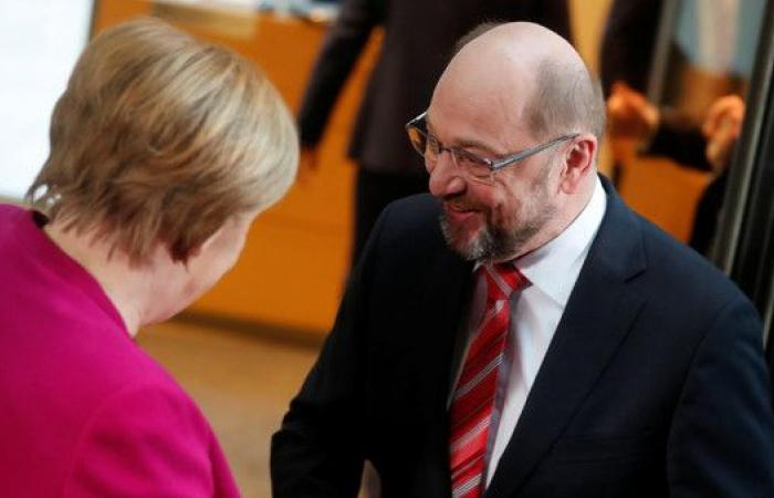 """ألمانيا.. """"الائتلاف الكبير"""" الذي تشكله ميركل يتأرجح"""