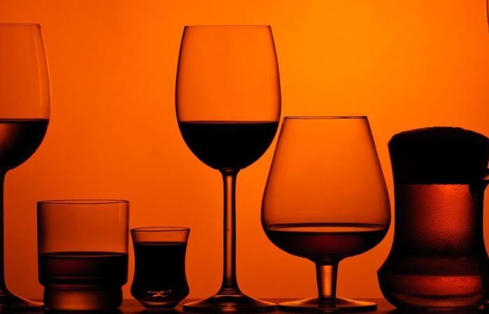 هل يتضرر دماغك إذا تناولت الكحول باعتدال؟