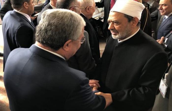 """المشنوق شارك في مؤتمر """"الأزهر"""" والتقى شخصيات عربية ودولية"""