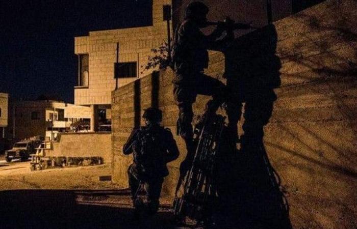 إسرائيل تقتحم أحياء في جنين.. وتحاصر منزلاً وتفجره