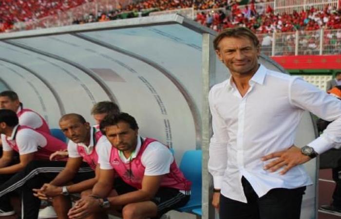 مدرب المنتخب المغربي يقرر التخلي عن لاعب برشلونة