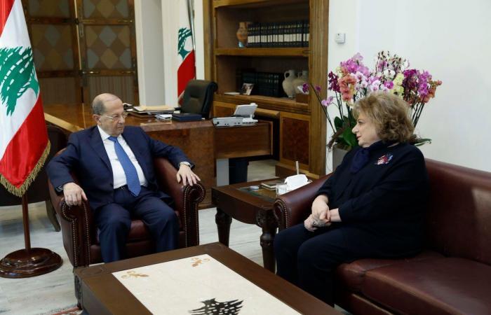 """عون لقائد اليونيفيل: للبحث في النقاط التي يتحفظ عليها لبنان في ما خص """"الخط الأزرق"""""""