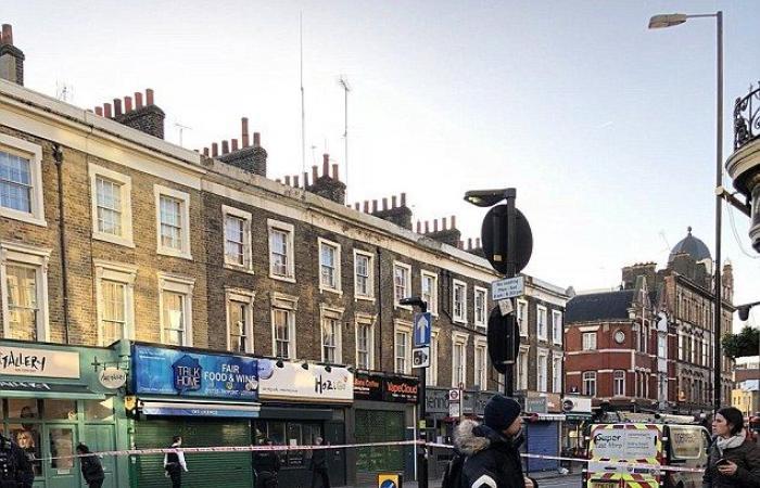 شرطة لندن تطوق مؤقتاً محطة قطارات بعد الاشتباه بعبوة