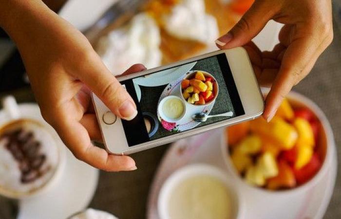 دراسة تكشف عادات البريطانيين في تناول العشاء