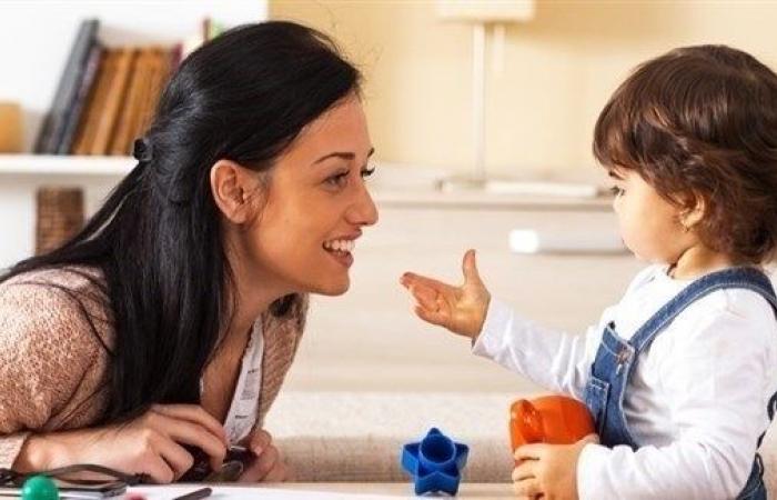 تعلّم لغتين يعزّز قدرات طفل التوحد