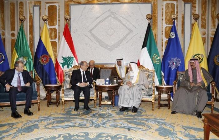 بدء المحادثات الموسعة اللبنانية - الكويتية في قصر بيان