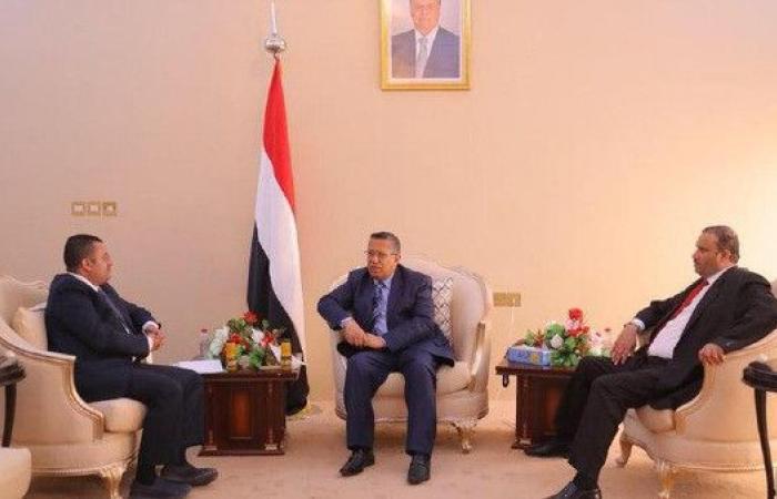 بن دغر يشيد برفض القبائل اليمنية مشروع إيران