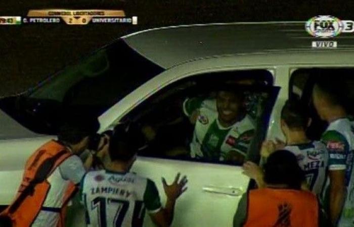 بالفيديو: سجّل هدفاً فركب السيارة وودّع زملاءَه؟!