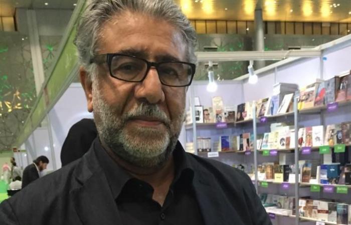 """""""هنا الوردة"""".. جدلية الثورة والعنف برواية أمجد ناصر"""