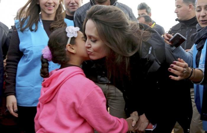 بالفيديو والصور… أنجيلينا جولي: أعشق اللاجئين ويجب حل أزمتهم!