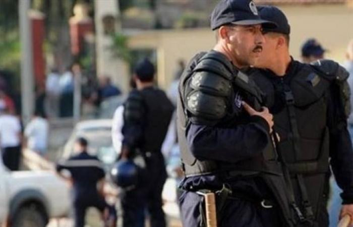 الأمن الجزائري يعلن النفير لإجهاض عملیات انتحارية لداعش