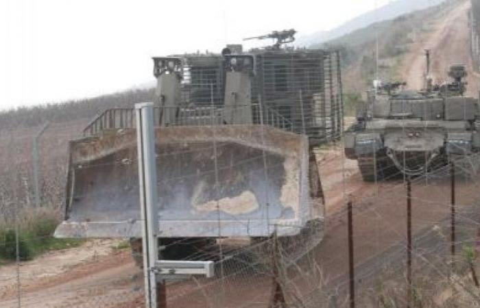 اسرائيل تجتاز السياج في ميس الجبل.. حفريات ورفع سواتر!