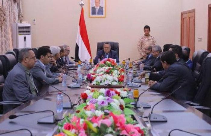 الحكومة اليمنية: جهود رئاسية لتجاوز ما يجري في عدن