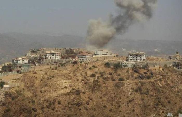 الجيش اليمني يتقدم شرق تعز.. وطرد متمردين في عدن