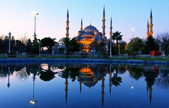 تركيا.. ارتفاع عائدات السياحة 19% إلى 26 مليار دولار
